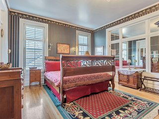 Ellerbeck Mansion Bed & Breakfast - World Traveler Room