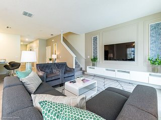 Modern decorated 5BD/4.5BA townhome at Champions Gate Resort