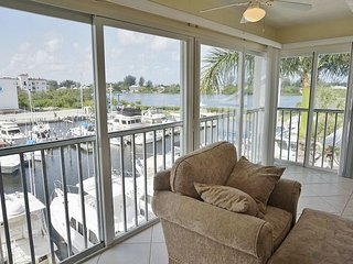 Exceptional Villa Great View 3rd Floor with Elevator and Use of Pool! A1233MB
