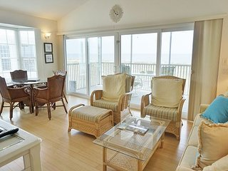 Excellent Beach View 2nd Floor Beautifully furnished and Comfortable, A3121A