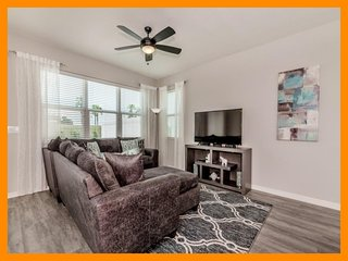 Compass Bay 2 - Modern villa with private patio and game room near Disney