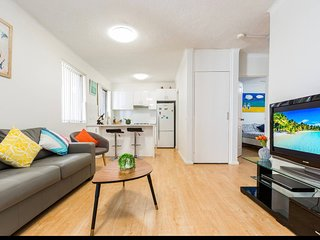 Dee why beach Apartment , close to manly and city