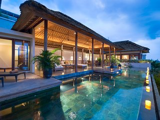 Stunning 6 Bedroom Villa Ocean View in Jimbaran;