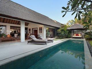 Deluxe 1 Bedroom Villa1 Near Seminyak Beach & Kudeta;
