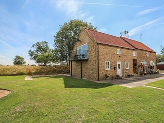 ABBEY COTTAGE, perfect for couples, Lincolnshire