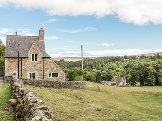 NEWBIGGIN COTTAGE, dog friendly, Blanchland