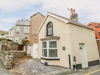 19 BODHYFRYD ROAD, WIFI, detached house, Llandudno
