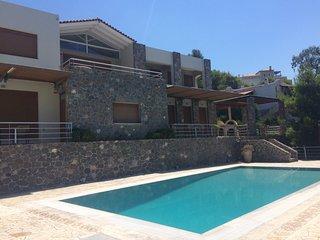 Zefi's Villa with Private Pool near Aegina town,