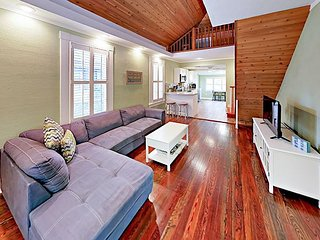 Beautifully Upgraded 3BR Home w/ Big Backyard – 2 Blocks to the  Beach!