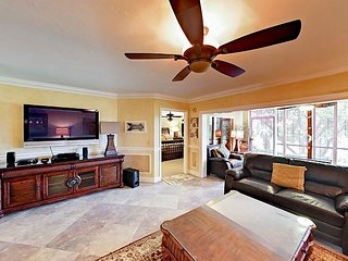 Walk to the Beach! 2BR Jupiter Bay w/ Pool, Hot Tub & Tennis