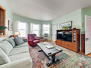 Vintage Hideaway 3BR in Munjoy Hill w/ Restored Interior & Balconies