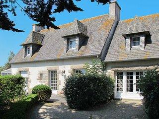 4 bedroom Villa in Saint-Eden, Brittany, France : ref 5650326