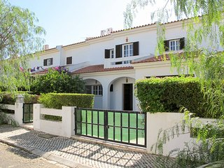 3 bedroom Villa in Manta Rota, Faro, Portugal : ref 5434700