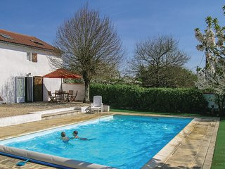 3 bedroom Villa in L'Hermenault, Pays de la Loire, France : ref 5543323