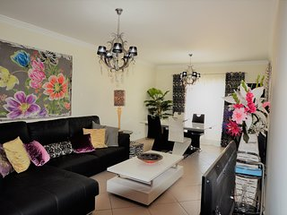 Modern 2 bedroom Apartment close to Algarve Outlet shopping centre