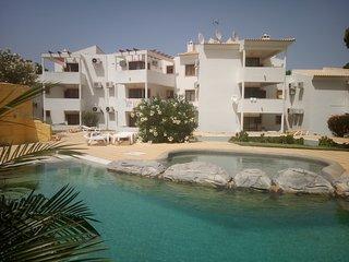 2 bedroom apartment Jardins da Falesia, Albufeira. Praia da Falesia