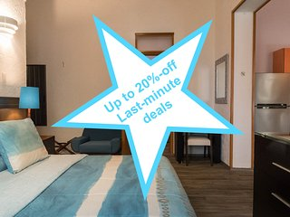2 Adjoint suites 4 up to 6 guests, near the WTC, up to 20%-off last-minute deal