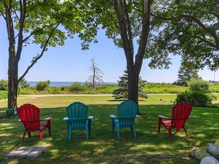 Oceanfront home w/ deck, yard & beautiful views - close to great beaches!
