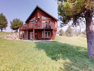 Cozy cabin with panoramic mountain views - easy access to Tamarack!