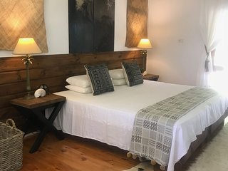 SAILS Huge 235sqm, 3 Bed, 4 Bath Waterfront Villa