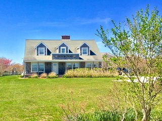 Classic Nantucket Home with Ocean Views!