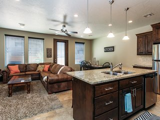 Vacation Station~ 3 Bedroom with Loft!  Two of the Bedrooms are King Master Suit
