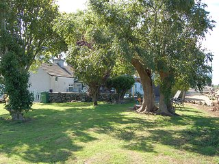 Detached 3 bedroom traditional cottage set in extensive beautiful grounds.