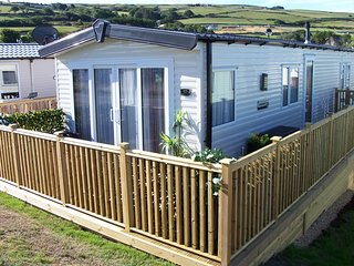 STUNNING 3 BED STATIC CARAVAN WITH SEA VIEWS AT SUNBEACH HOLIDAY PARK LLWYNGWRIL