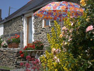 Couples Rural Escape, easy access to Western Brittany: Penlan Gites, Gite 1