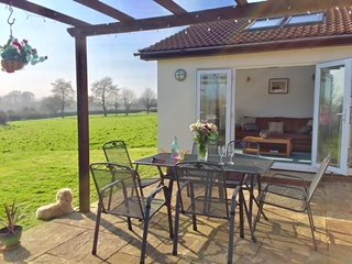 Lovely patio area with our new patio table and chairs.BBQ on patio as well
