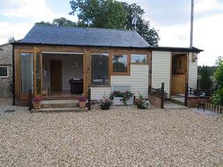 Yogis Cottage | Cotswold Country Charm with Modern Facilities