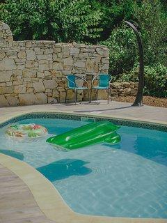 Villa spacieuse a la campagne, piscine, spa...