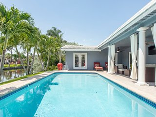 Luxurious water front villa, heated pool, very central, close to beaches