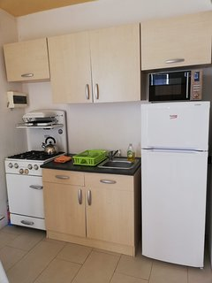 Fully functional kitchen with all the necessary  appliances