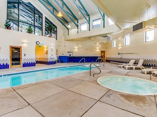 NEW LISTING! Family-friendly condo with shared pool, hot tub, game room