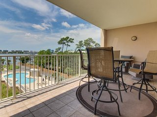 NEW LISTING! Waterfront condo w/ shared pool, tennis, & sauna - near the beach