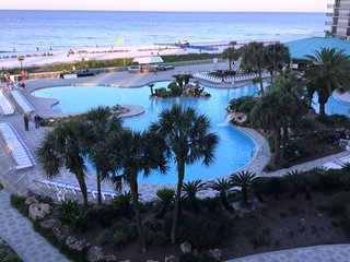 Full Service Edgewater Resort 2/2 Villa - lagoon pool, beach dining, golf & more