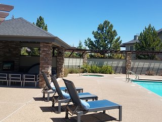 Mountain getaway Condo! Close to NAU/Downtown/Trails!