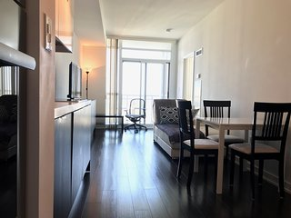 FREE Parking! Entertainment District, +40th Floor view, gym, pool and more