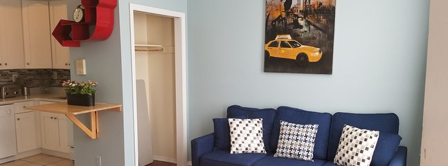 COZY 2-BEDROOM ~~ 10 MIN TO MANHATTAN !