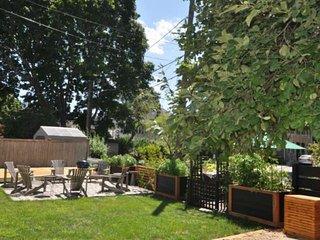 Friendship House: 5min walk to Salem center: restaurants, pubs, & museums, gourm