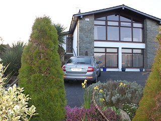 Spacious 7 bed Tramore centre house with beautiful viewing window
