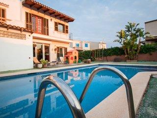 Bonito adosado en Porto Colom para 6 personas con piscina, jacuzzi, AC y Wifi