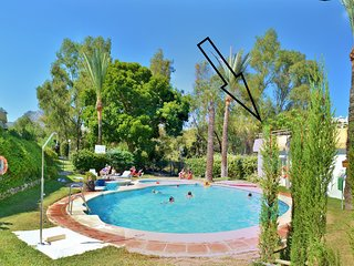 Bright&Large Penthouse,Terraces,Pools,300mBeache,