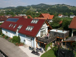 Apartment Reinbacher mit Swimm-Spa / Jacuzzi