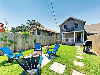 Upscale & Historic 2BR Cottage, 8-Minute Walk to Beach