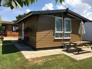 Alberta Lodge, Heacham, Norfolk. Quiet location, 5 minutes from the beach.