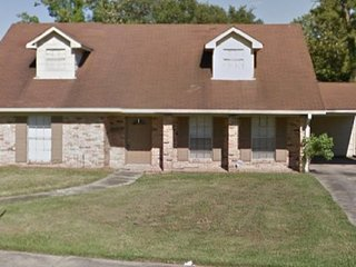 4BR/2FB Entire House Near Central New Orleans