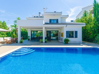 VILLA DIAGONAL - Villa for 12 people in Ca'n Picafort