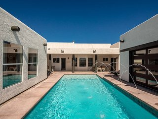 2 Casitas Sweet Pool Fully Remodeled Sleeps A LOT